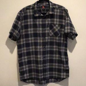 Quicksilver Men's XL short sleeve shirt